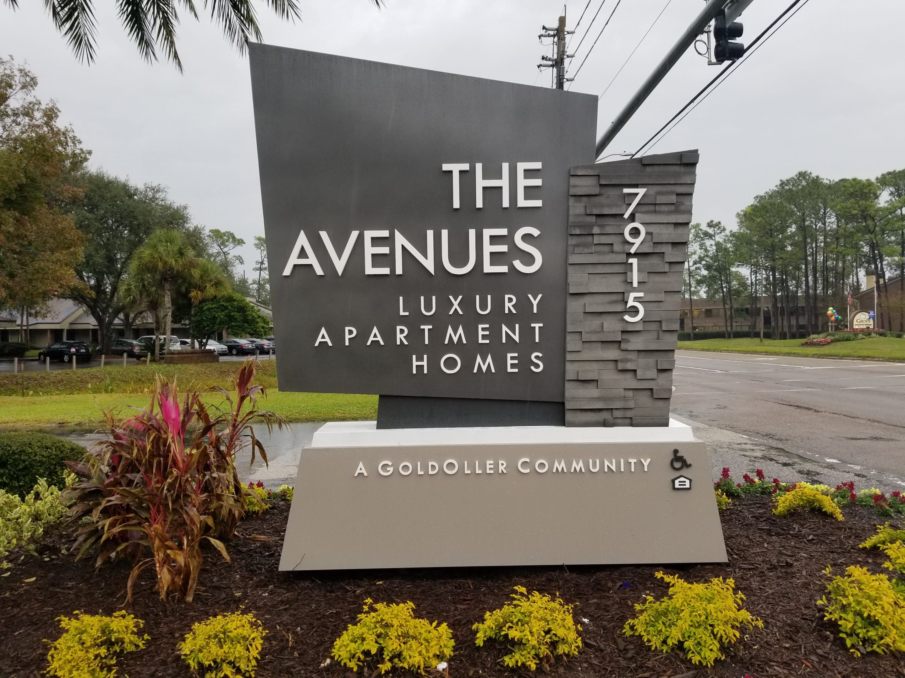 The Avenues Luxury Apartment Homes Monument Sign