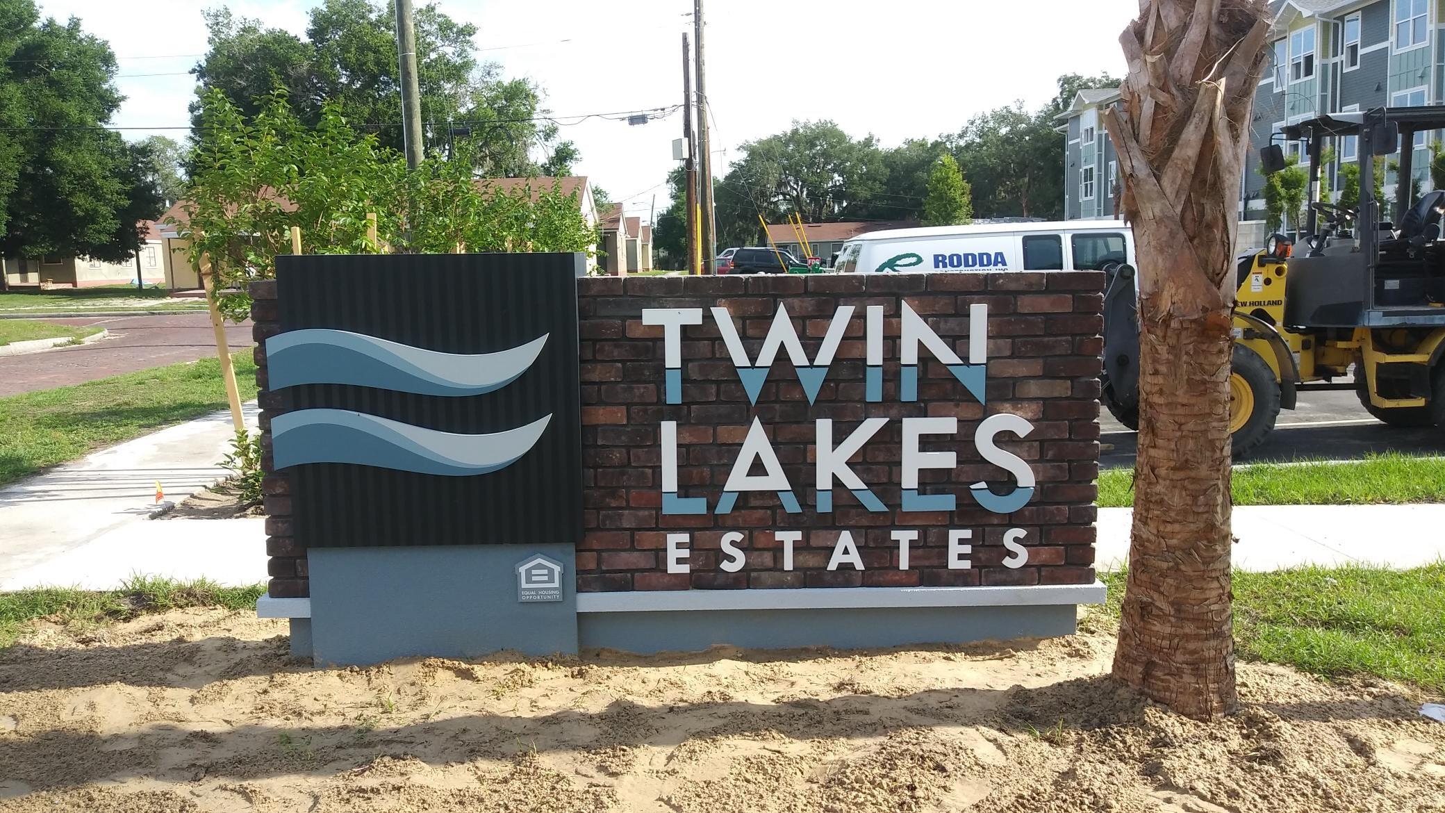 Twin Lakes Estates Monument Signage