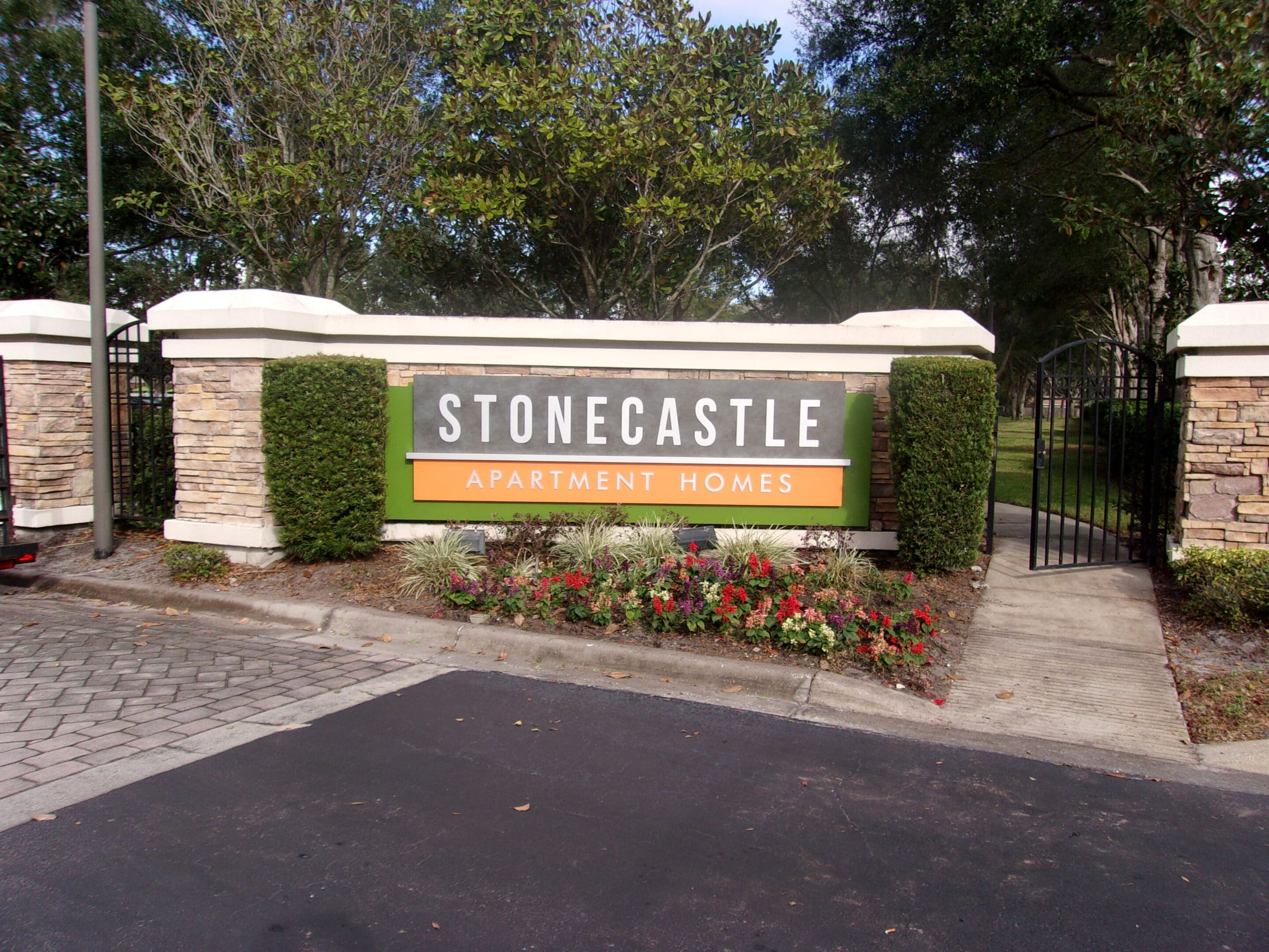 Stonecastle Apartment Homes Monument Sign